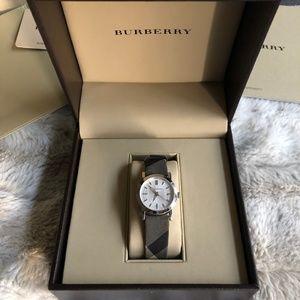 Burberry BU1386 Nova Check Silver Watch w/Box 28mm